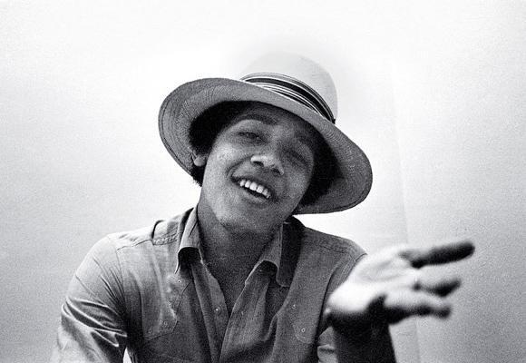 211fb1d06f9479a7650fc3bb47b93c8b - Barack Obama - Fotos de joven y con estilo
