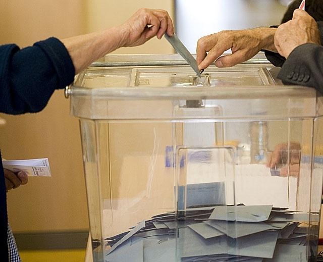 A quién beneficia el voto en blanco en España 2