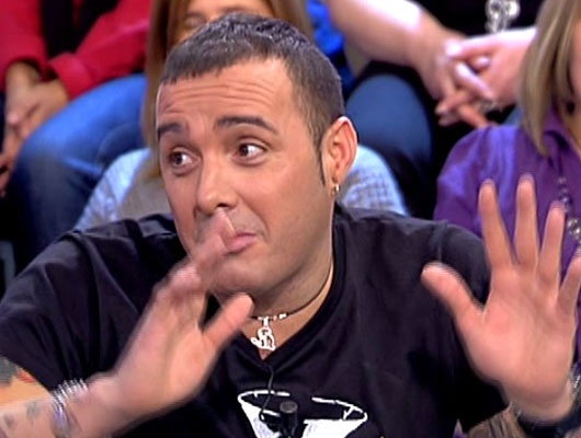 47b9371a5ec847a6416d19e09506ac86 - Los Indignados de Valencia fichan a Dinio para su partido político