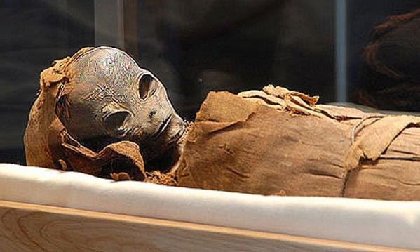 Momia alien hallada en Perú