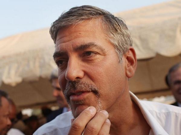 Amigo de George Clooney afirma que el actor no es gay 11