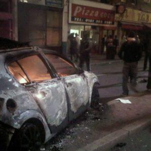 26 Agentes heridos y 42 arrestos en unos graves disturbios en Londres 24