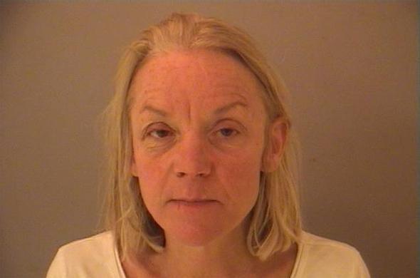 8835fed4de3847a26822c5cc338a0cab - La detienen por agredir a un policía con su consolador
