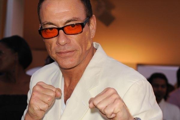"""Jean-Claude Van Damme protagoniza en la película de ciencia ficción """"UFO"""" 11"""