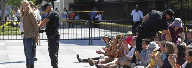 La actriz Daryl Hannah detenida por manifestarse 11
