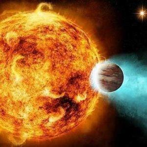 Un planeta bombardeado por su estrella 25