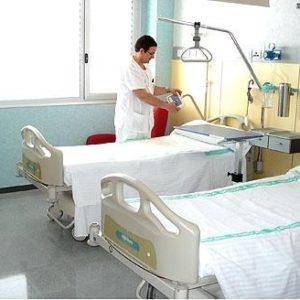 Valencia cierra 262 camas de hospital para ahorrar 86.000 euros al día 53