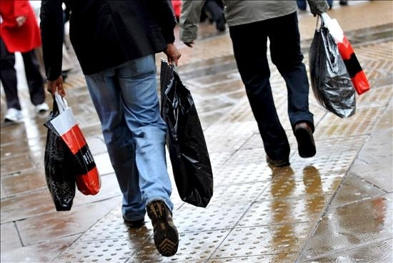 5bcbc2e6adc6ac9dfb690a3edcb64ab2 - Los consumidores aceleran el crecimiento de la actividad económica de EE.UU