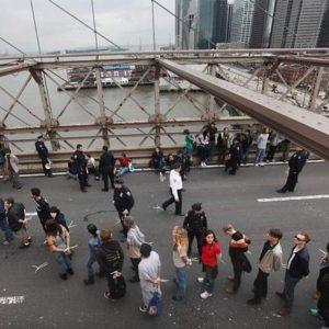 700 detenidos en una marcha indignada en Nueva York 26