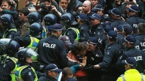 d72b92e7a132ff40fb2049dc48920977 - Brutalidad policial contra Ocupa Melbourne en Australia