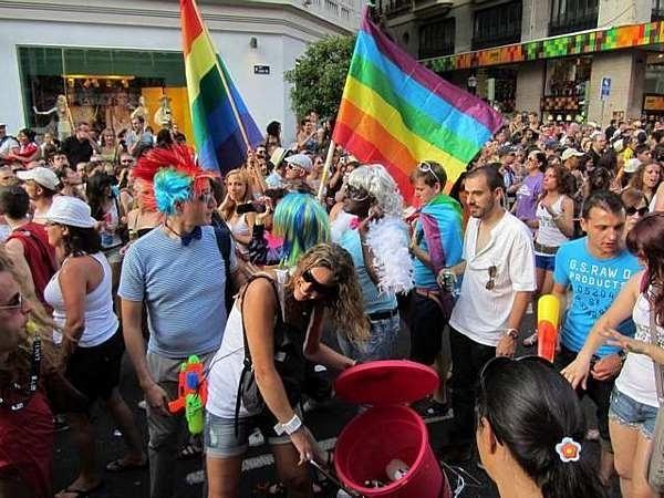Ola de matrimonios gay en España por temor a que el PP gane las elecciones 2