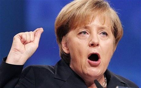 Merkel calcula que la UE tardará 10 años en salir de la crisis 27