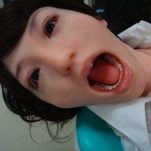 Detienen en China a dentista por introducir su pene en la boca de una paciente 25