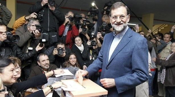 (Mariano Rajoy, ejerce su derecho al voto en el colegio Bernadette de Madrid)