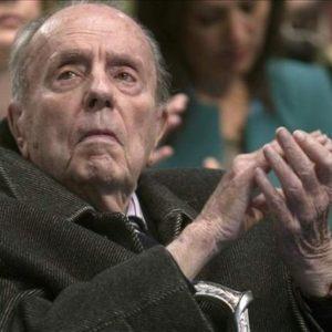 Españoles, Fraga ha muerto 25