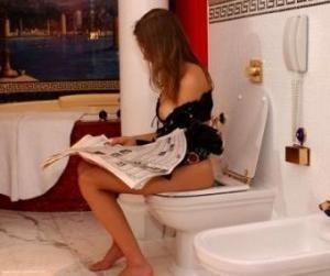 b7488390dedefbaf9badeda0e0ea042d - Una mujer permanece dos años sentada…¡en un inodoro!