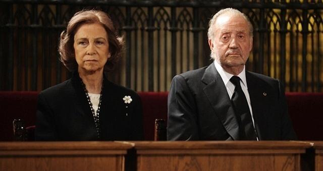 """cfaddfc2bf2e9424ee07b2e09e36451f - Pilar Eyre: """"La reina es una mujer engañada y con una vida conyugal que ha sido una auténtica tragedia"""""""