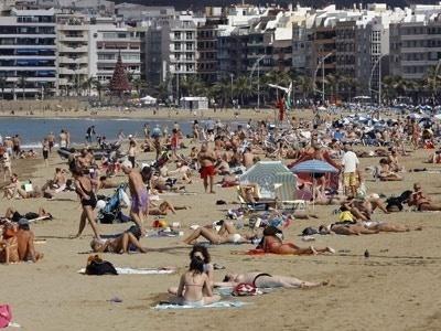 El buen año turístico no se ve en el empleo 12