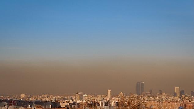 """d30ee1ca9e879a8474cdf38bba06fa06 - Botella sube el precio del 'parking' en Madrid """"por la contaminación"""""""