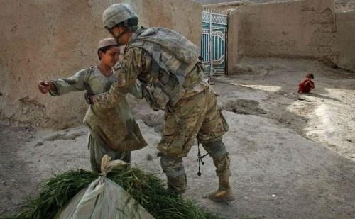 Soldados británicos en Afganistán acusados de violar a niños 13