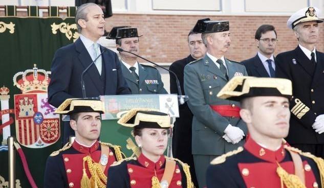 f8b84457f79954b52239c255e44b3bb1 - El nuevo director general de la Guardia Civil tiene una preparación que difícilmente le permitiría ser guardia