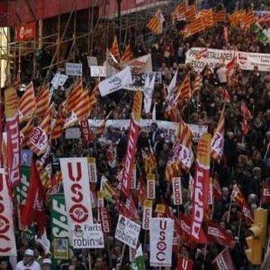 Miles de funcionarios protestan en Barcelona contra los recortes en los Servicios Públicos 67