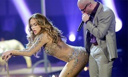 Pitbull se empalma con Jennifer Lopez 9