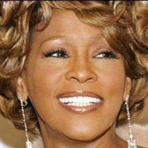 La cantante Whitney Houston fallece a los 48 años 22