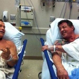 Arnold Schwarzenegger y Sylvester Stallone, juntos en el hospital 29
