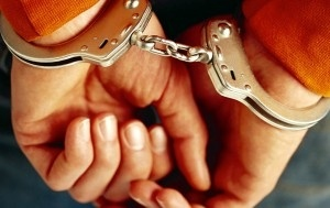 b992702fdd06de305b2e1db804f81c06 - Arrestan a hombre por negarse a abandonar su celda en prisión