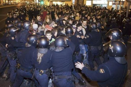 d433389b35164ea4979aa29364addb9c - La Policía vuelve a cargar contra estudiantes en Valencia