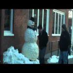 El muñeco de nieve callejero 10