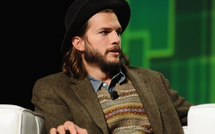 El look 'serio' de Ashton Kutcher 9