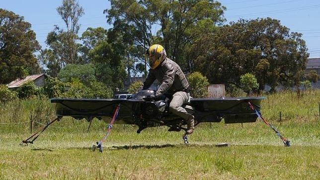 7b74cb7c1df98e92e969c64cad239390 - La moto voladora del futuro