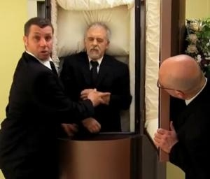 Un muerto en el ascensor 9