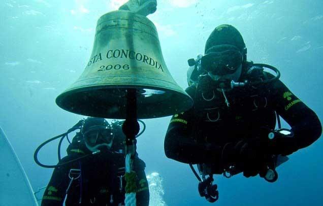 ad0145173c00f7fe99af7442fbe6a818 - La campana del Costa Concordia robada por cazadores de trofeos