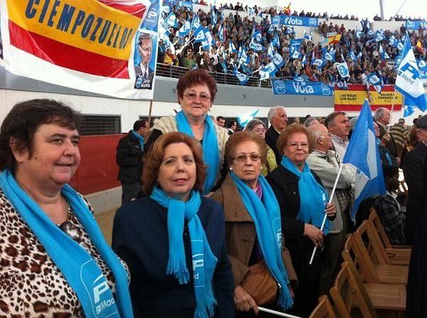 #Obdulia, la parada fan de la reforma laboral de Rajoy es adicta a los mítines del PP 14