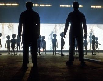 Antes de 2031 veremos a los extraterrestres: tienen dos brazos y dos piernas 12