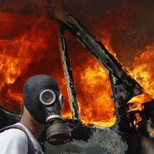 Manual para defenderte del gas lacrimógeno 16