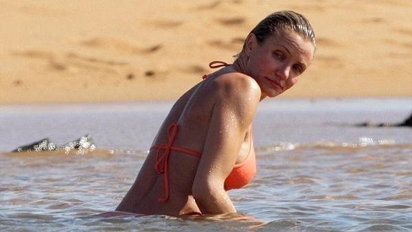 Cameron Díaz (39), bella, soltera y con pechos nuevos 12