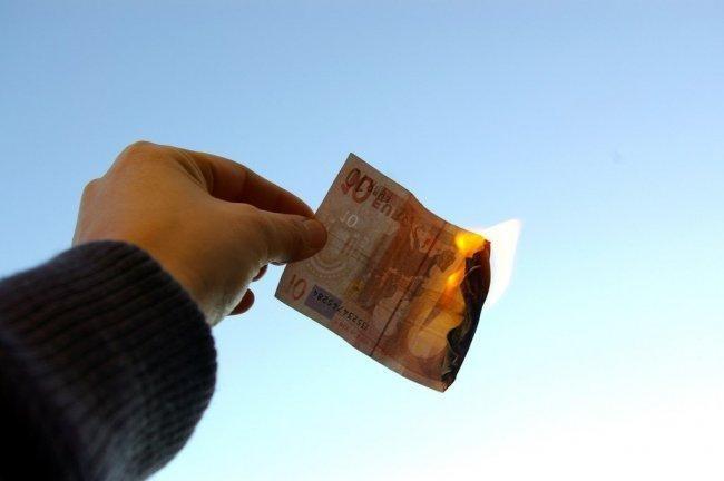 451601e2c2a2c10e47fcc6138e9e1f31 - El Estado cada vez recauda menos dinero
