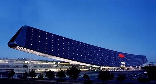 Científicos inventan edificio que se autoabastece de electricidad 27