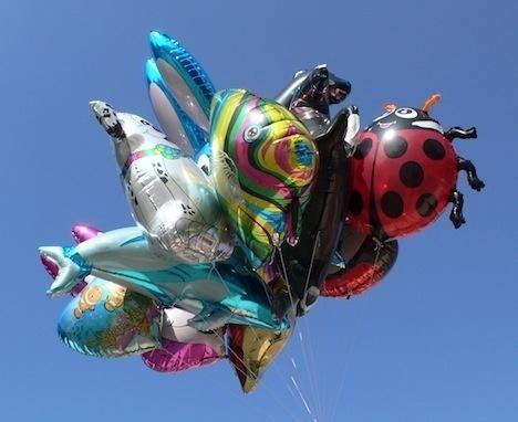 a9890e385e3991d4a934a6f9e908db80 - Los globos festivos están agotando el suministro mundial de helio