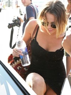 chocho1 - Miley Cyrus, sin bragas