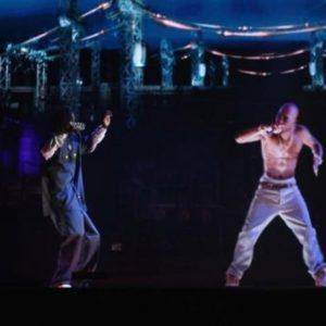 El fantasma de Tupac da un concierto en California 21