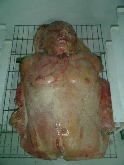 El pan del Horror, vende panes en forma miembros humanos 16