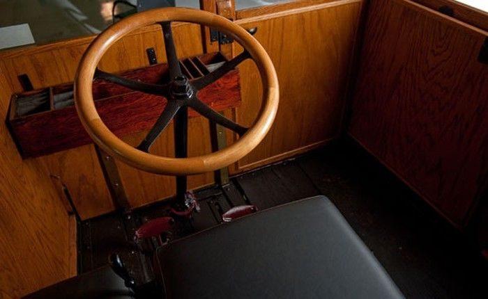 Coche eléctrico de 1909 vendido en eBay por 100 Mil euros 13