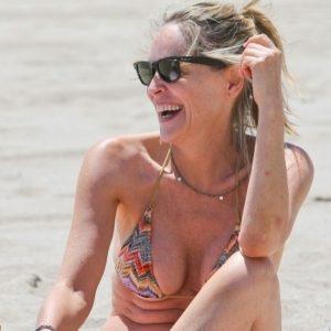 Sharon Stone en bikini, diosa a los 54 23