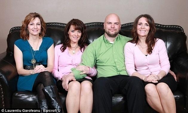 Se casó con dos gemelas y una prima: tienen 24 niños 2