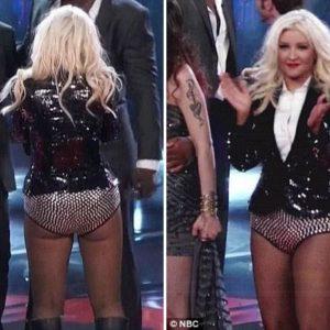 Christina Aguilera, con sobrepeso y poca ropa 23